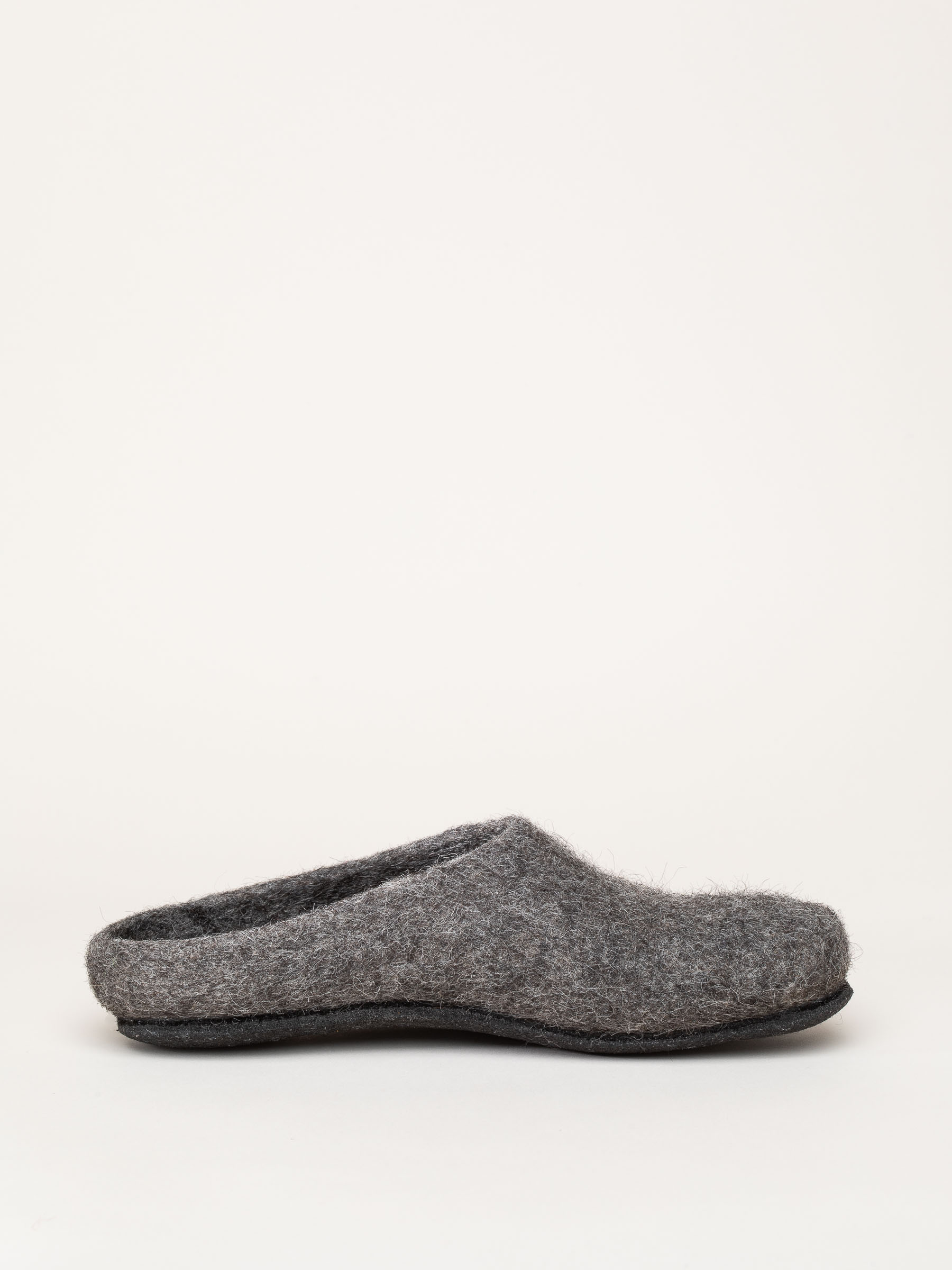AT 719 rare wool slippers